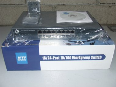 KTI Networks 16 Port 10/100 Workgroup Switch